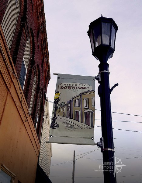 Historic Downtown light post in Atlanta, IL